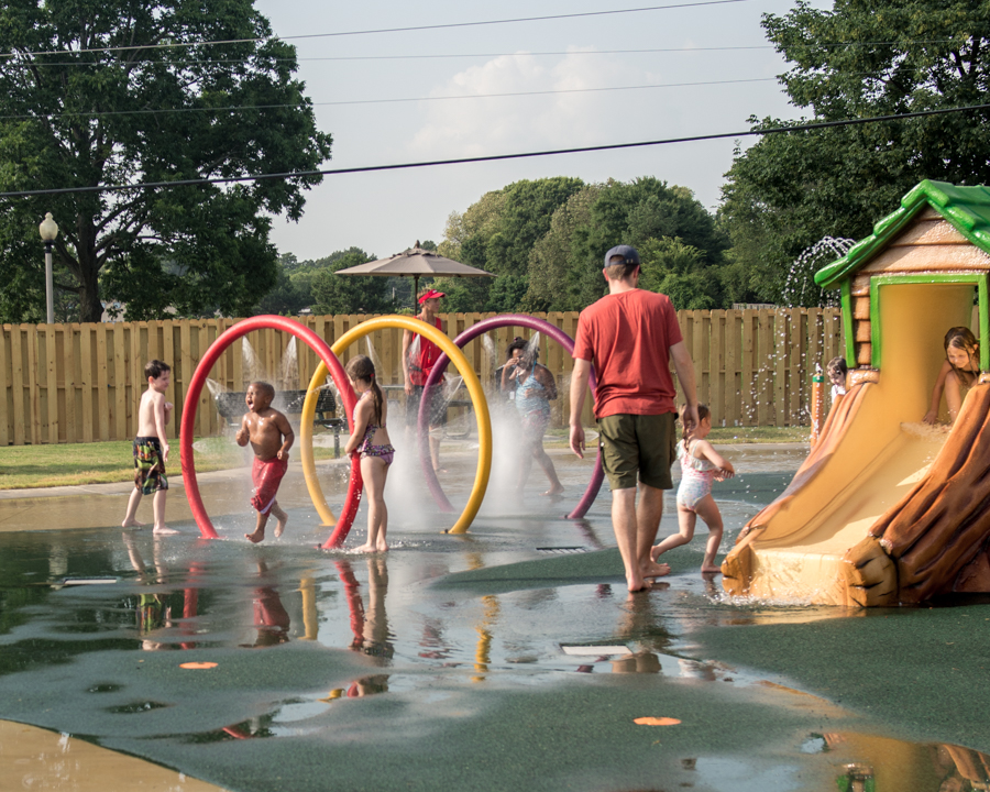 2015 Bartleltt Splash Pad Web-121
