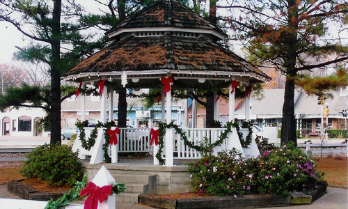 Gazebo decorated for Christmas